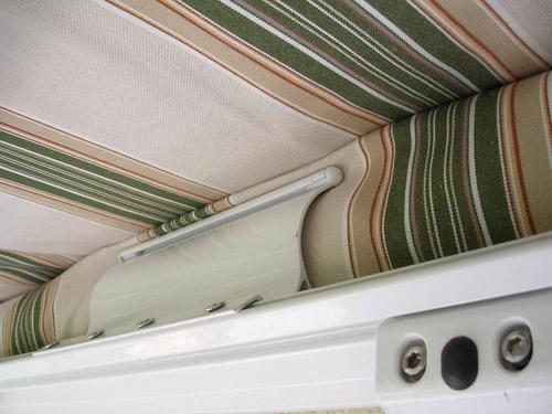 les lyres berceaux compensateurs des toiles de stores stores. Black Bedroom Furniture Sets. Home Design Ideas